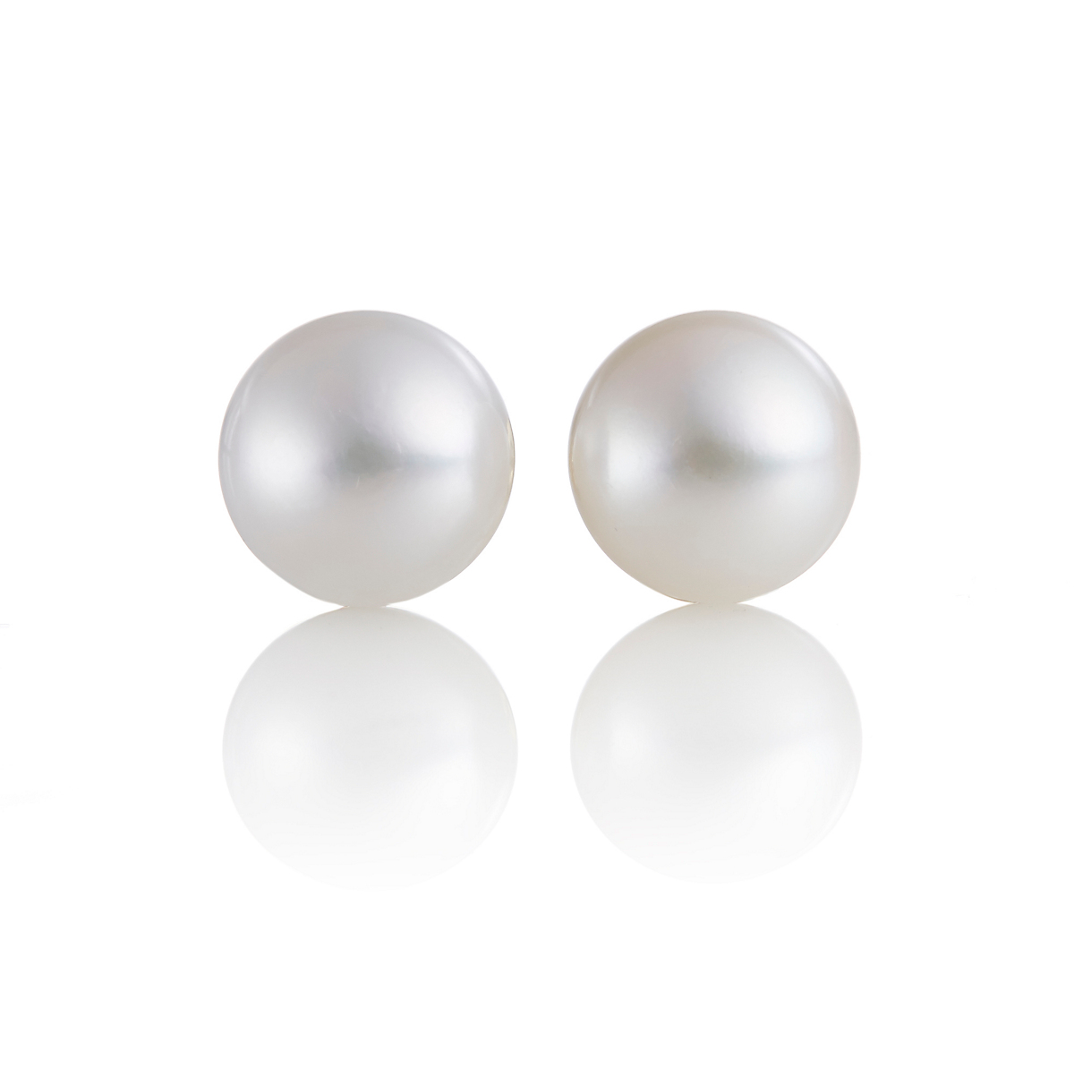 Gump's Large Button Pearl Earrings