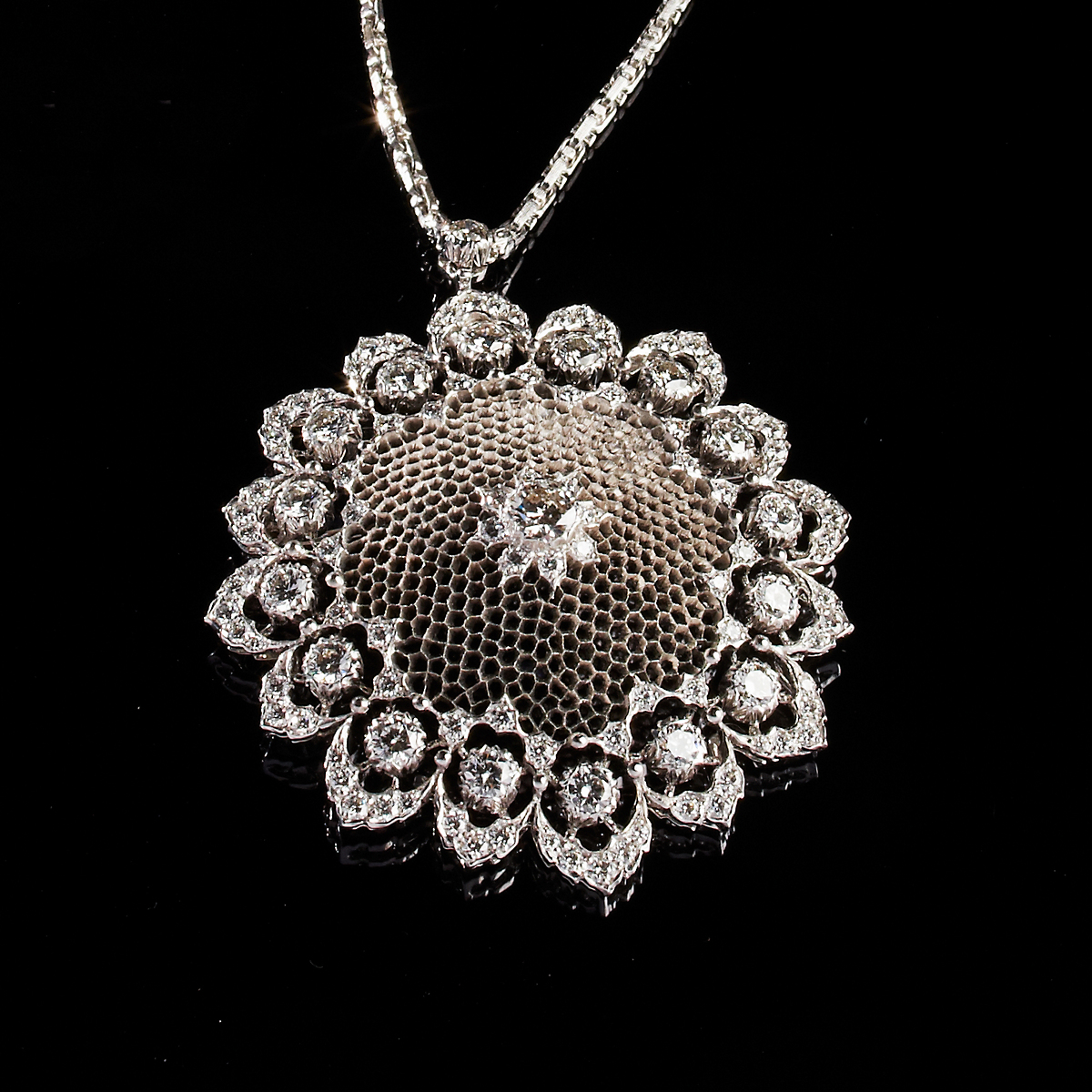 Buccellati Diamond Honeycomb Pendant