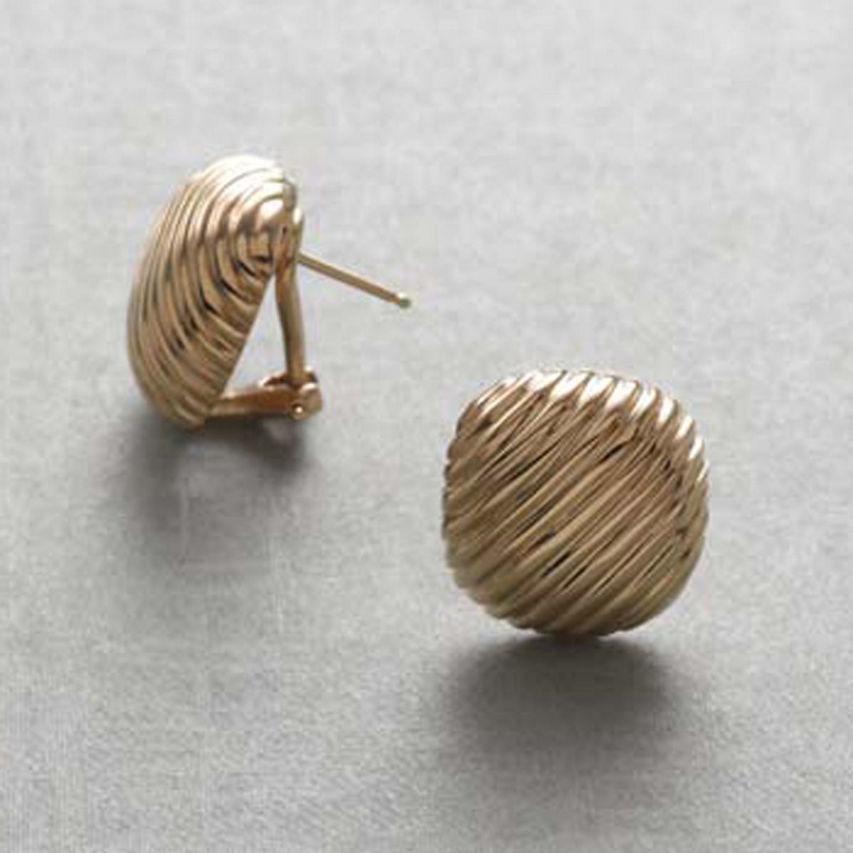 Gold Ribbed Square Earrings
