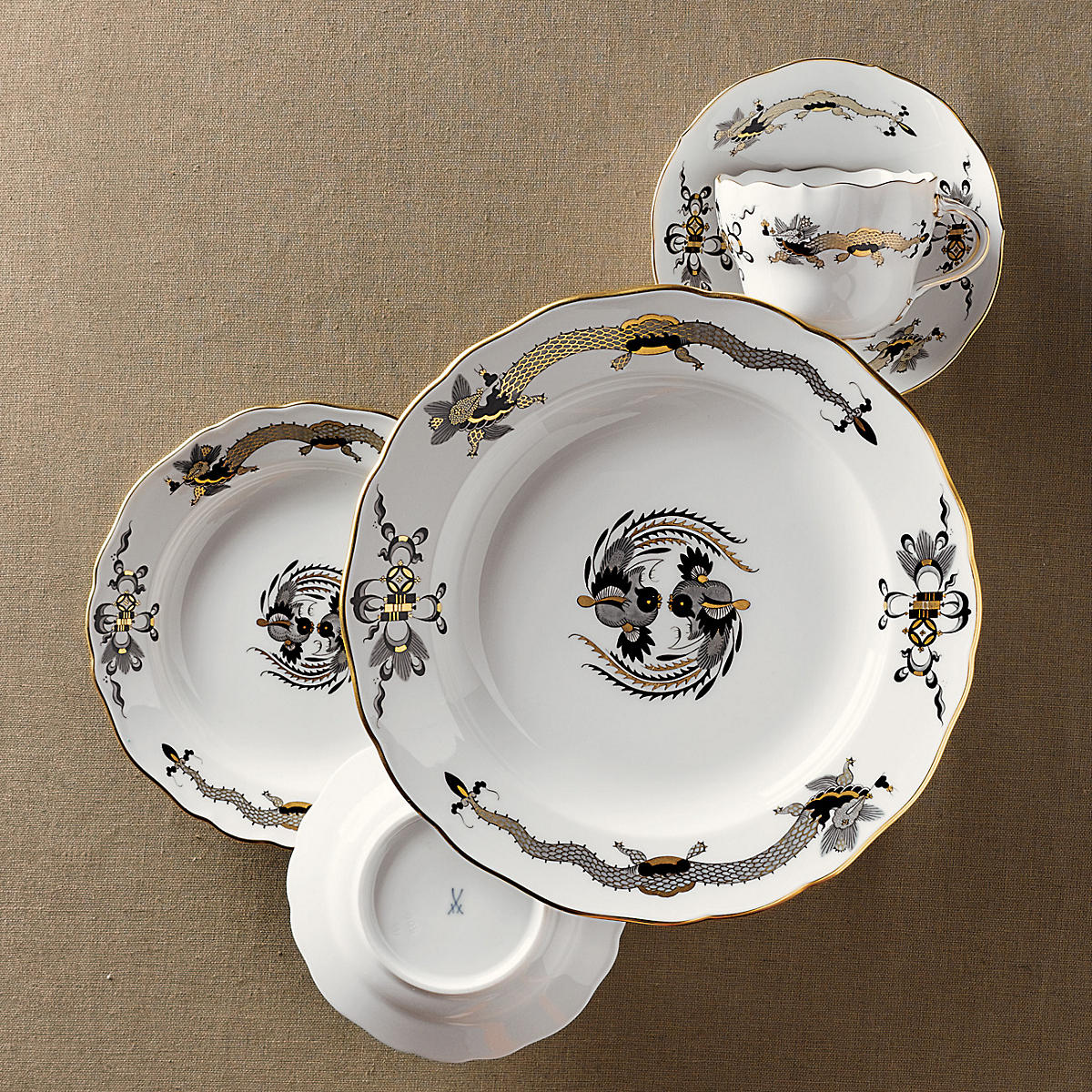 Meissen Black Court Dragon Dinnerware