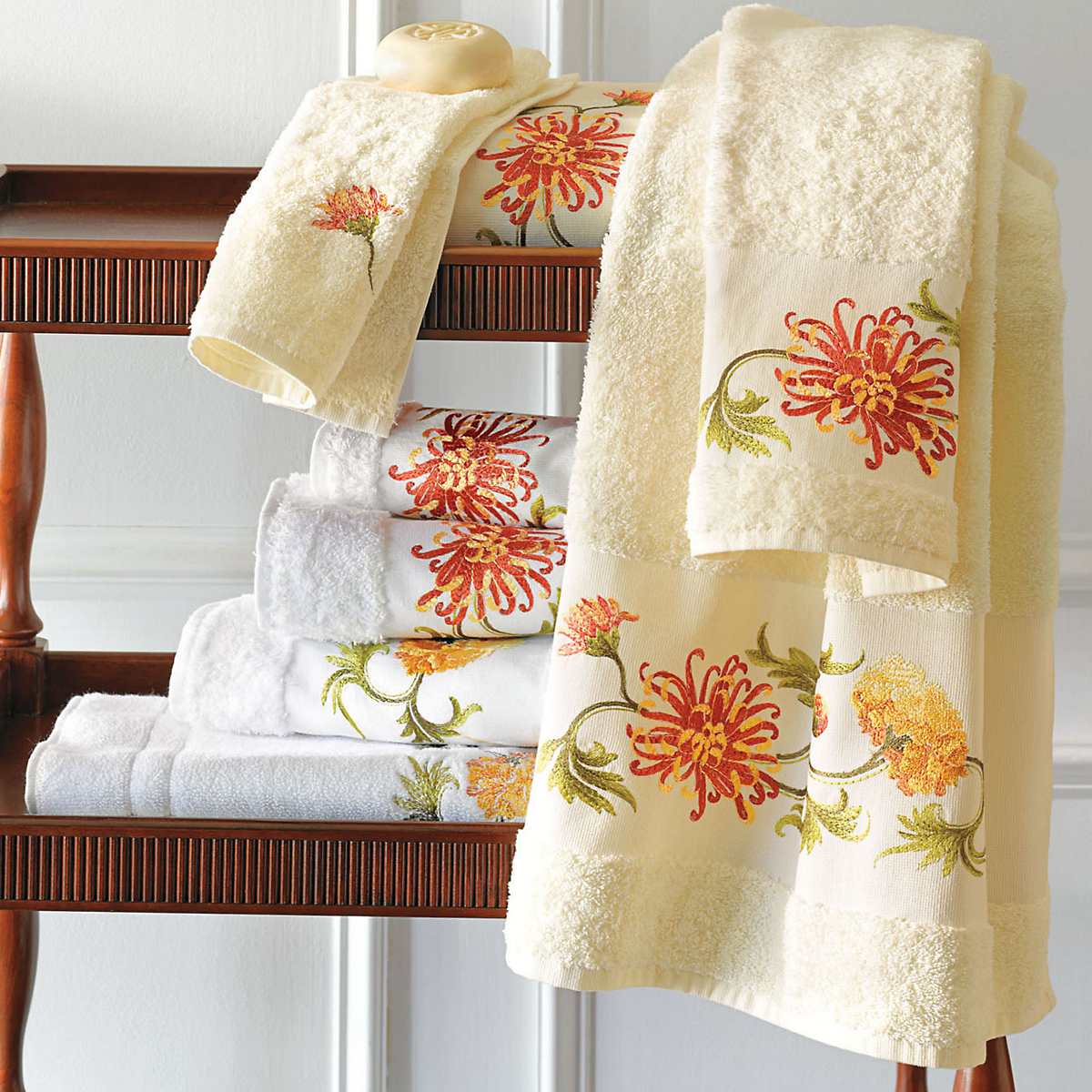 Chrysanthemum Towels
