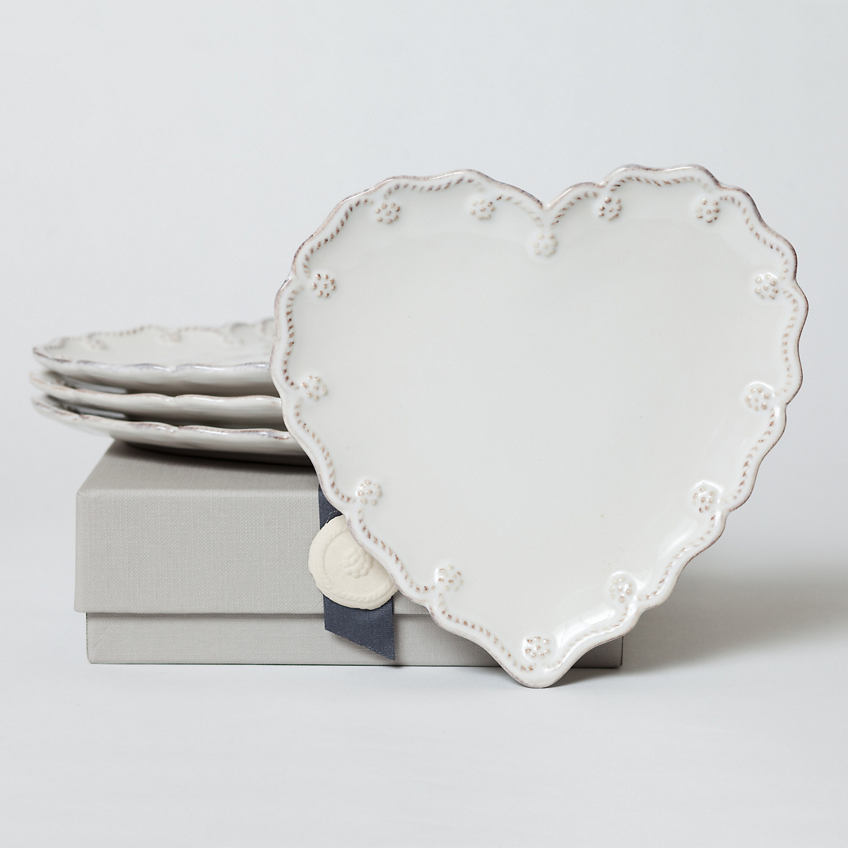 Juliska heart canape plates gump 39 s for What is a canape plate