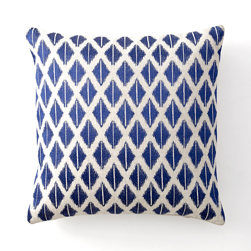 Chic Chien Ikat Pillow, Blue