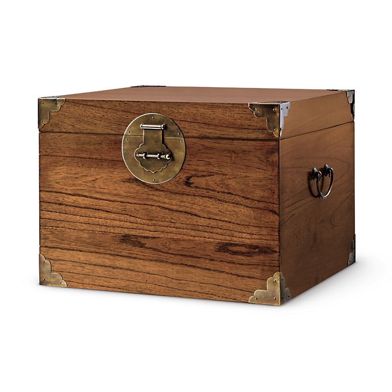 Voyager's Trunk, Small