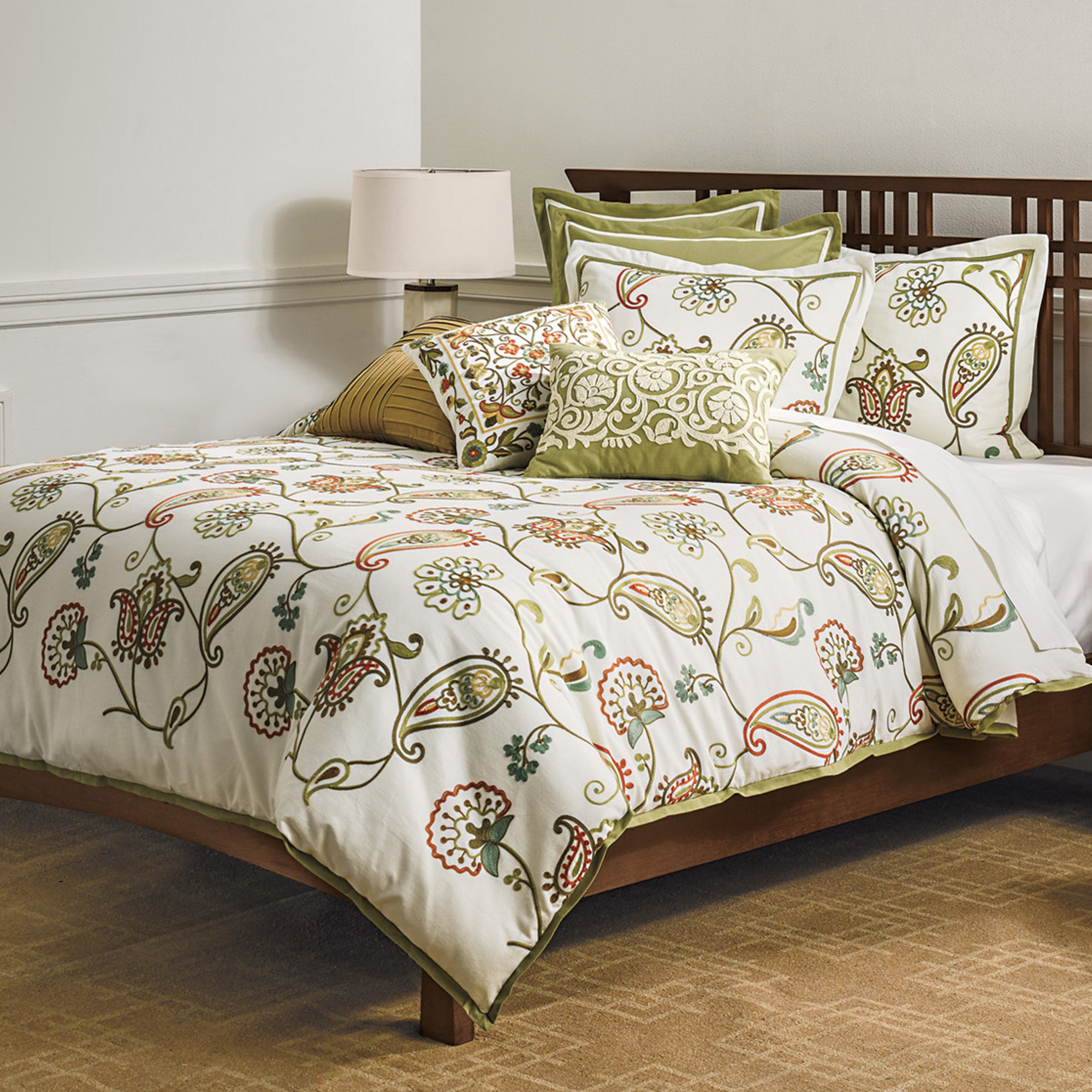 Inverness Crewel-Stitch Bedding Set