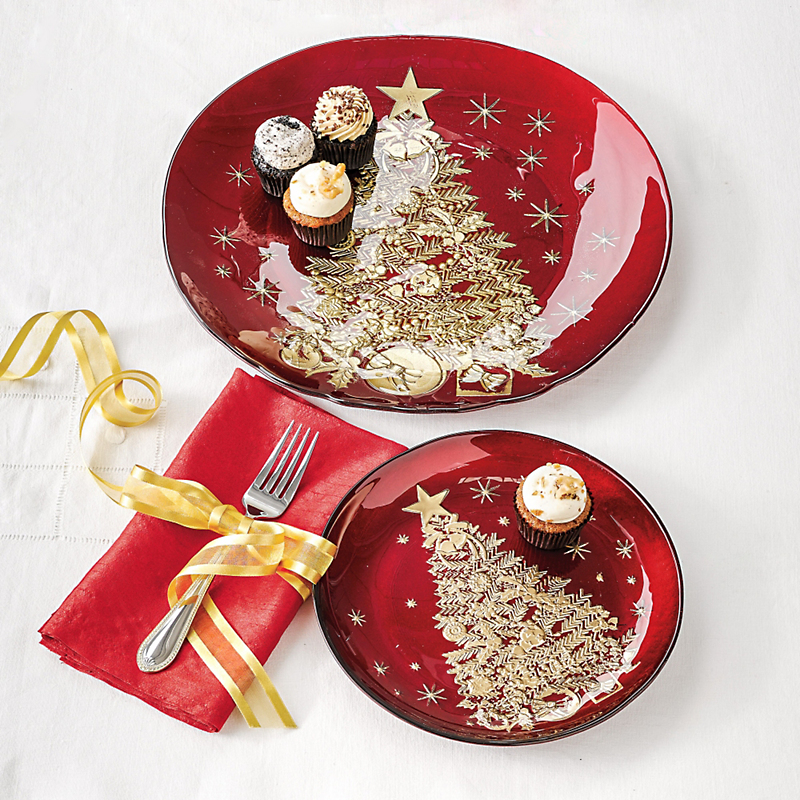 Festive Holiday Serveware