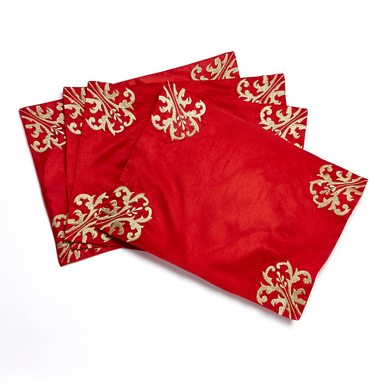 Noelle Table Linens