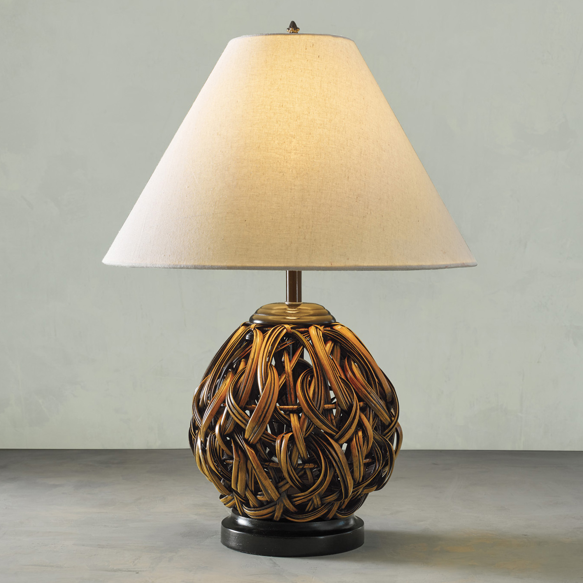 Woven Rattan Ribbon Table Lamp
