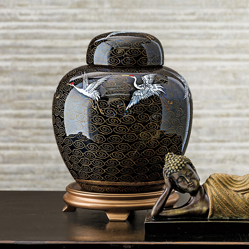 Black Porcelain Pearl Jar With Cranes