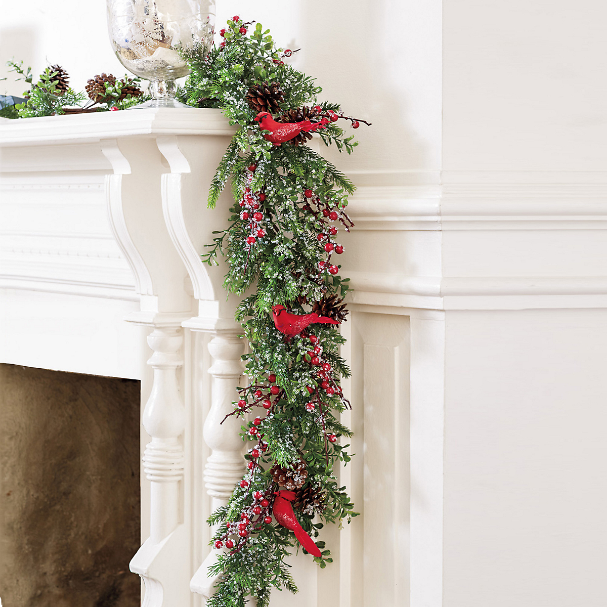 Cardinal & Icy Berry Pre-Lit Garland