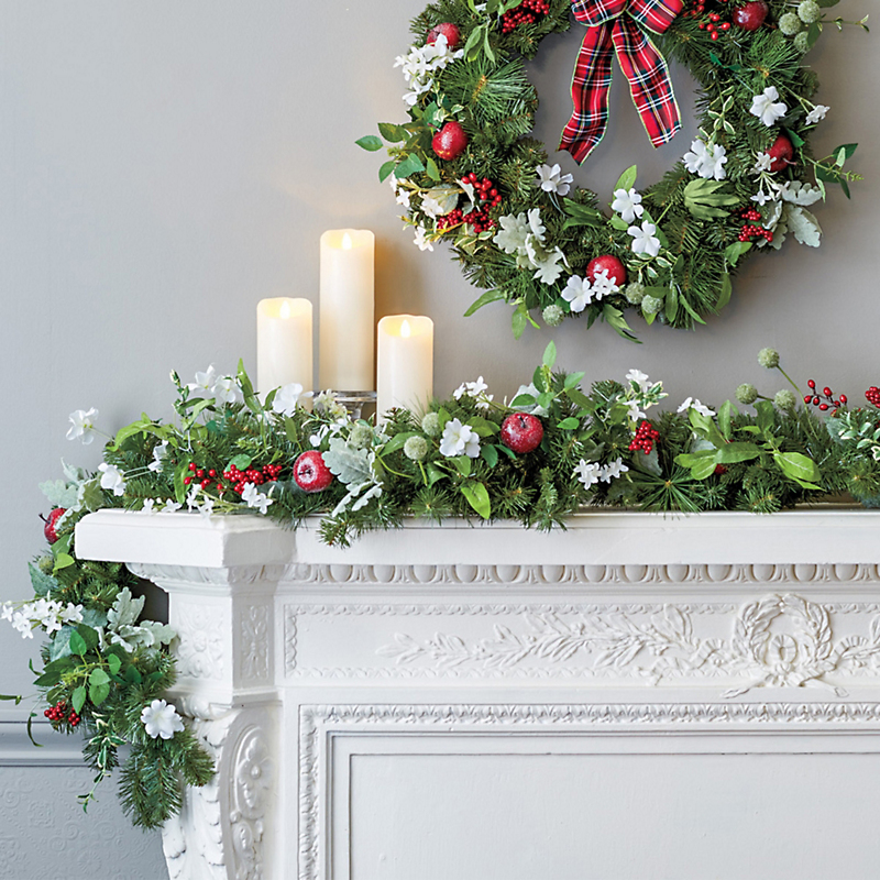 Paperwhite & Berry Garland