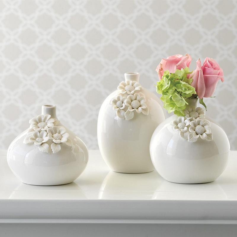 Set Of 3 Porcelain Bud Vases