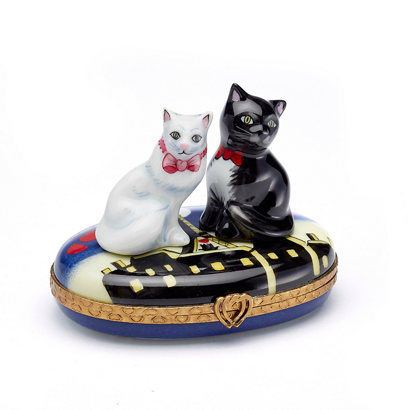 Limoges Courting Cats Box