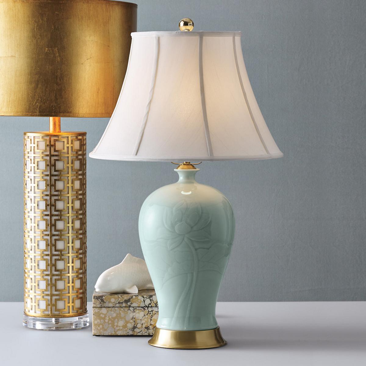 Celadon lotus lamp