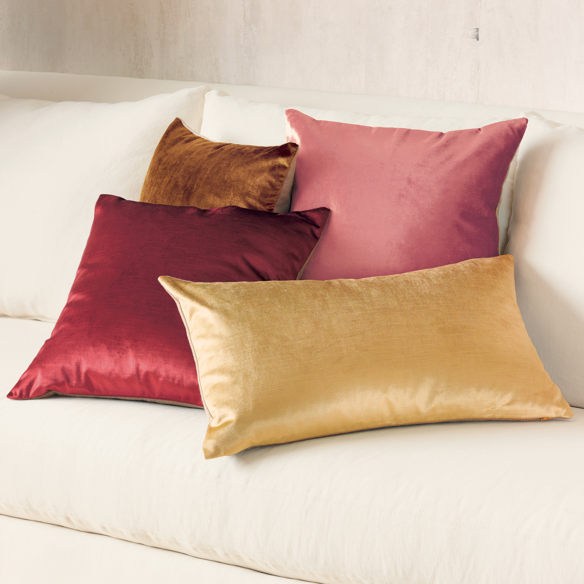 Sabine Warm Velvet Pillows