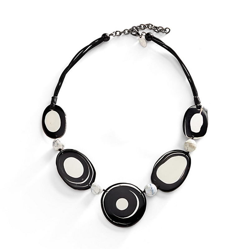 Blanc Et Noir Necklace