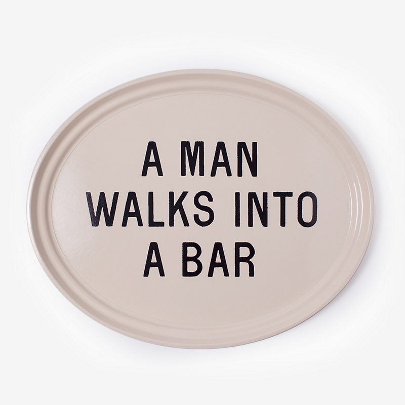 A Man Walks into the Bar, Tray
