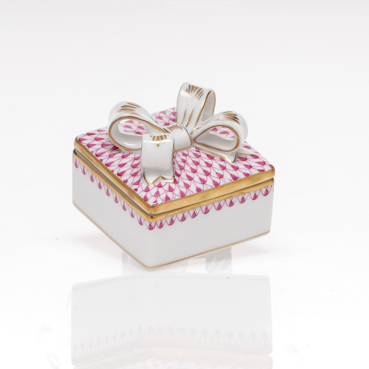 Herend Box with Bow, Raspberry