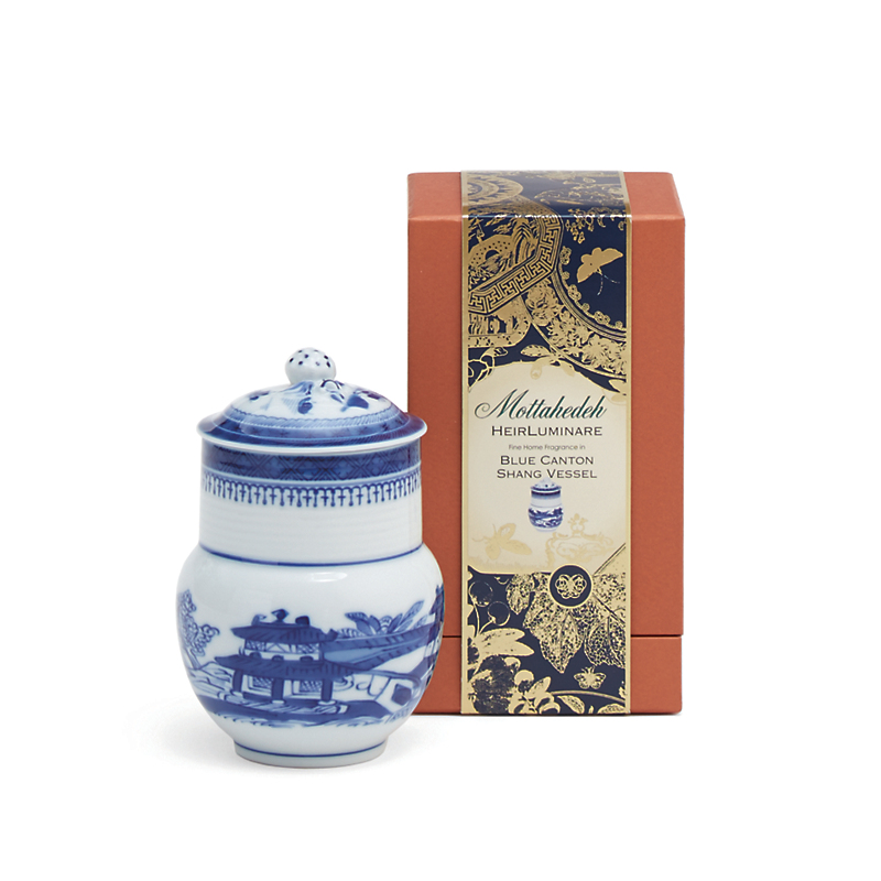 Mottahedeh Blue Canton Shang Candle, Air de Bergamia