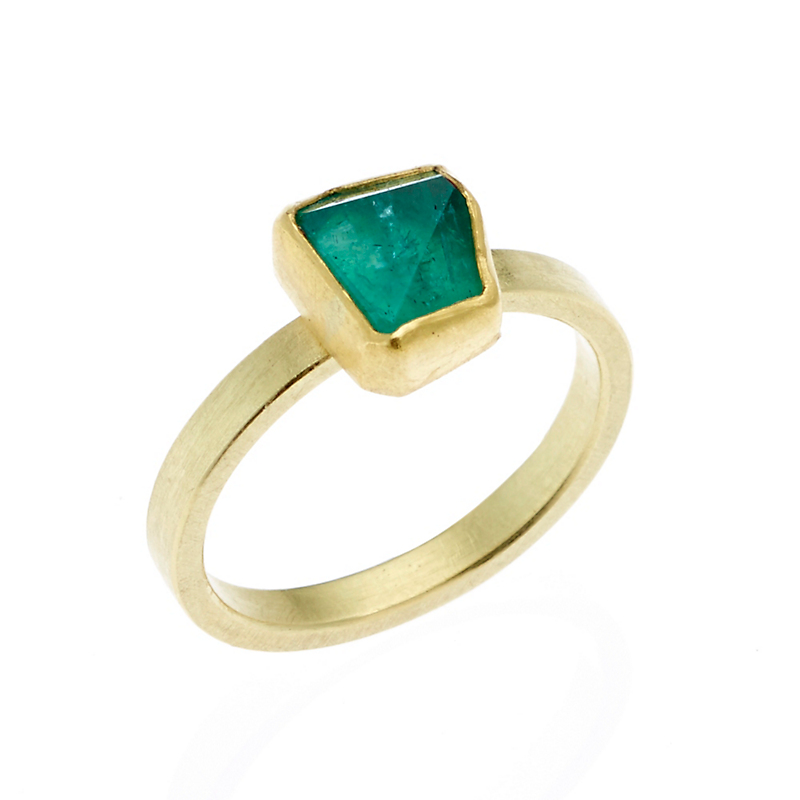 Petra Class Small Emerald Crystal Ring