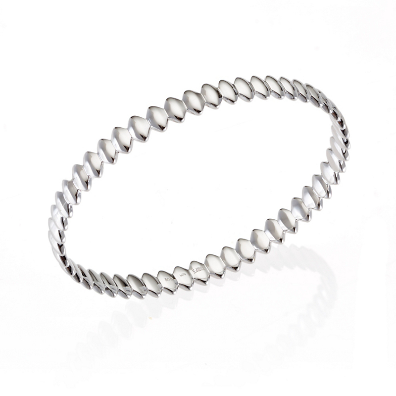 Sterling Silver Scalloped Bangle