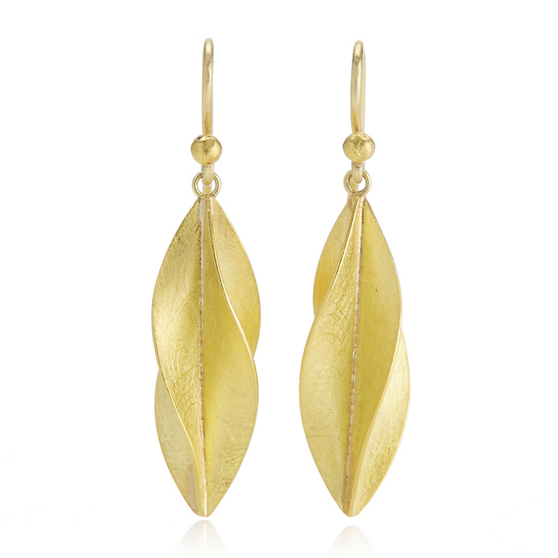 Petra Class Medium Twist Gold Earrings