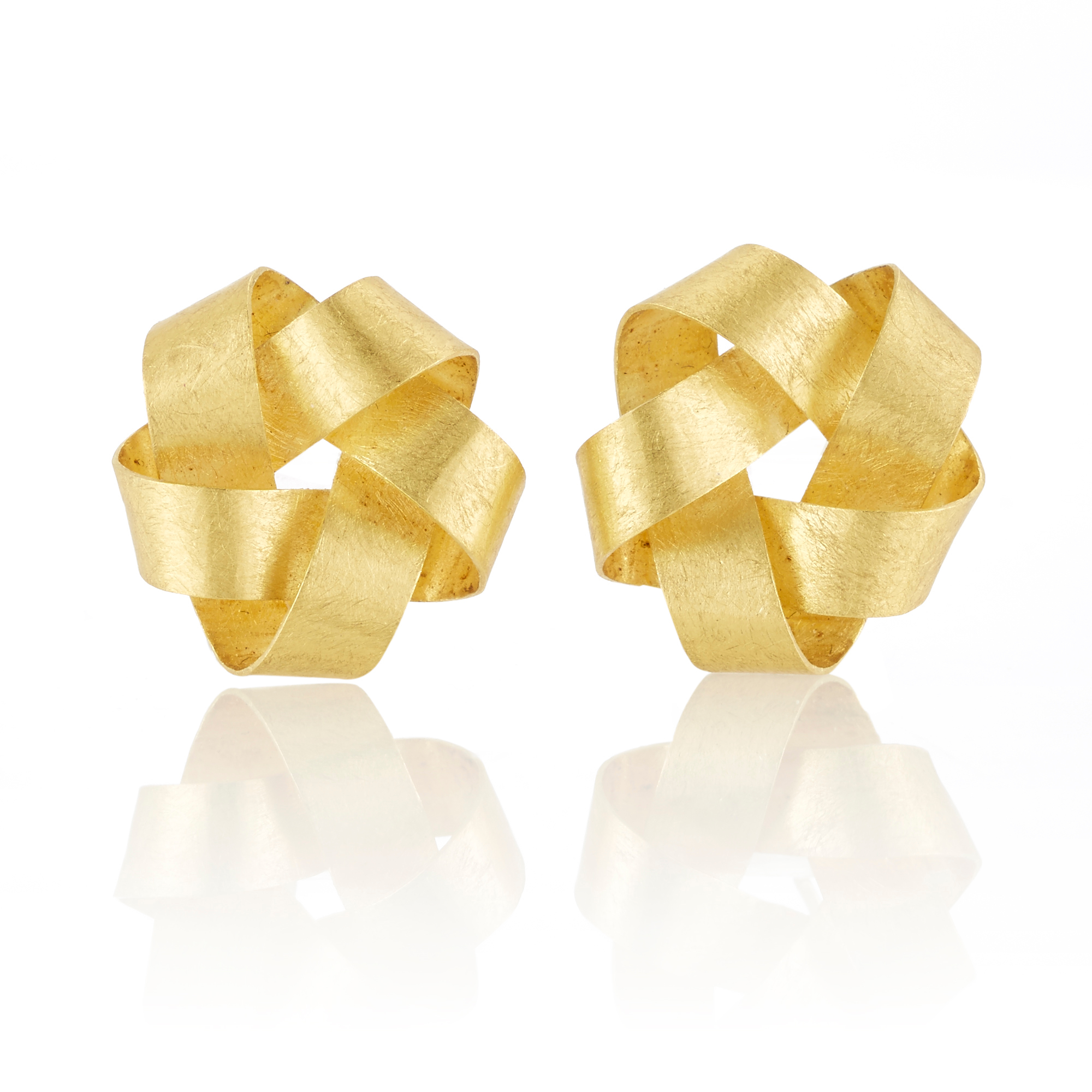 Petra Class Large Five Point Ribbon Gold Earrings