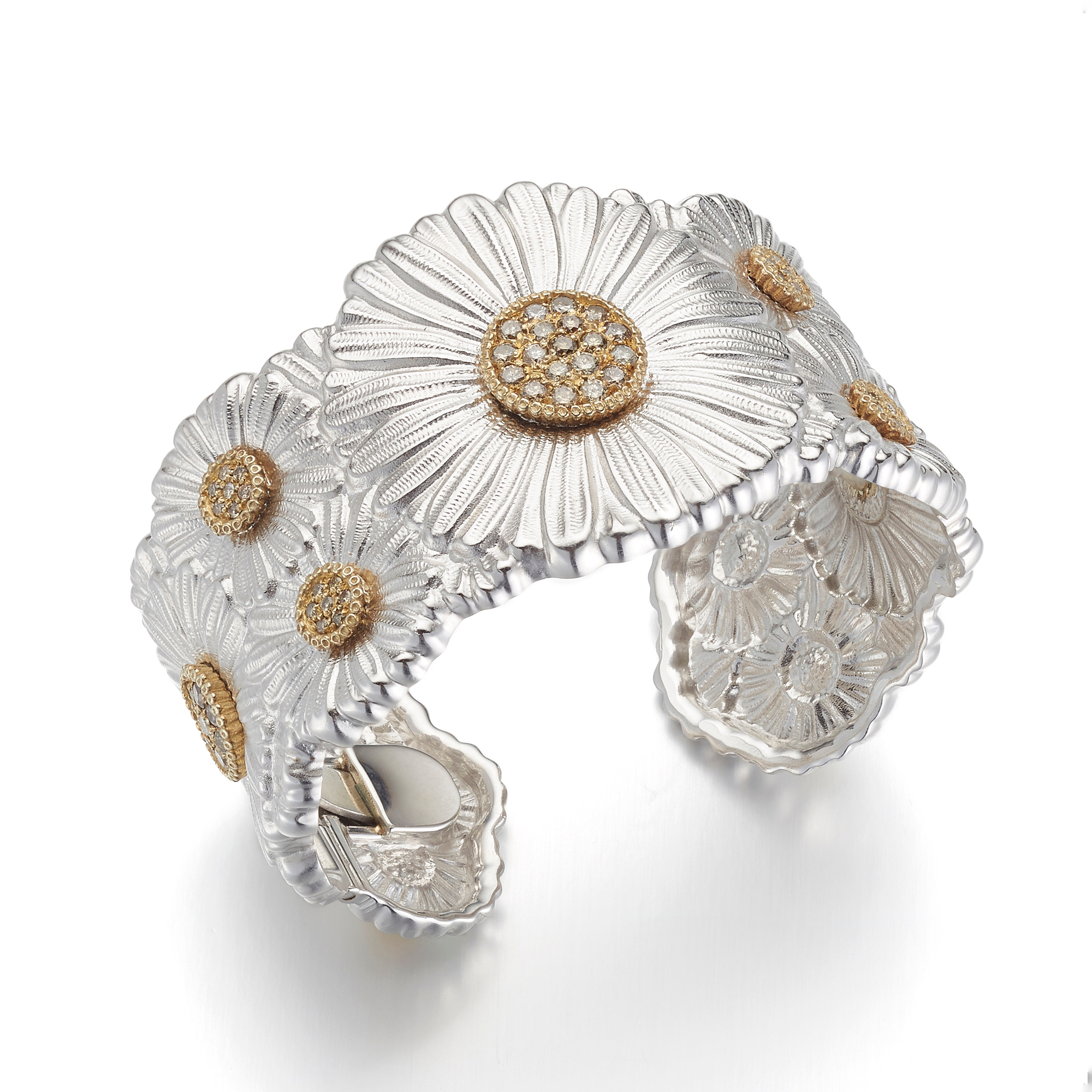 Buccellati Daisy Cuff Bracelet With Diamonds