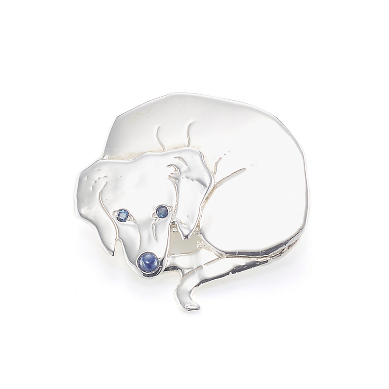 Mia Fonssagrives-Solow Polished Silver Sleeping Labrador Brooch